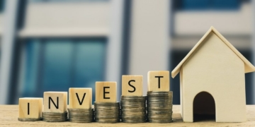 Is investing a good strategy for generating income? 2