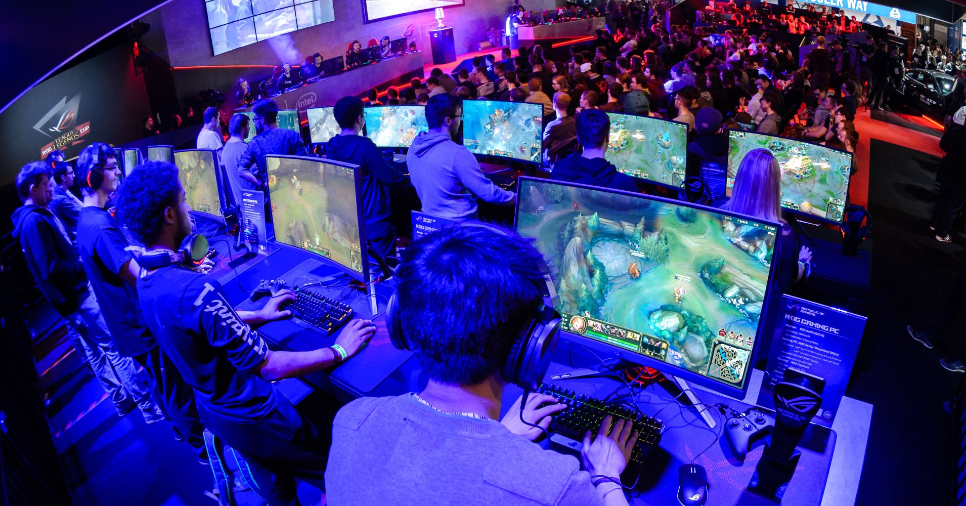 How 'Clash Royale' could play a big role in boosting mobile esports' already explosive growth