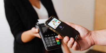 Mobile Payments and the Blockchain: Why Bitcoin is Better 7